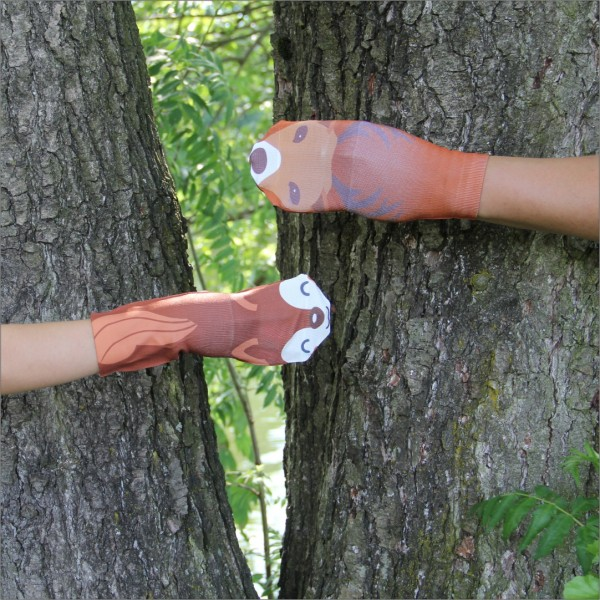 Erzgebirgische Handsocken Eichhörnchen und Hirsch